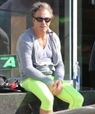 17-celebrities-who-have-experienced-yoga-pants-fails-8